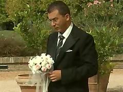 Выеблась в зад прямо перед церемонией свадьбы