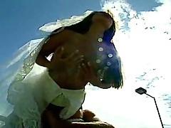 Оттрахал невесту на теннисном корте