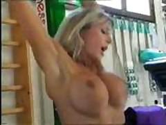 Бодибилдеры - Трах в тренажерном зале