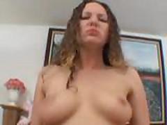 Virtual'naja shljuha pokazyvaet striptiz