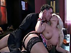 Anal'nyj seks v cheshskom ofise