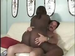 Жирная негритянка с белым мужиком