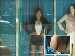 Азиатка трахается в магазине на публике
