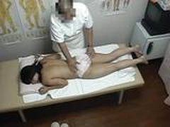 Секс с японочкой после массажа