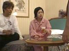 Seks s aziatkoj v motele