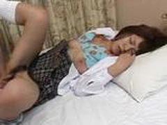 Грудастая азиатка наполнена спермой