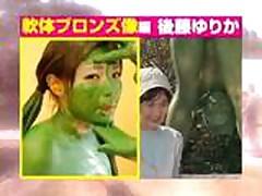 Moloden'kuju japonochku trahajut na publike