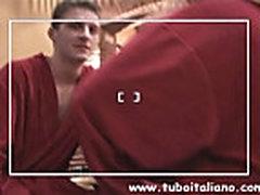 Ital'janskaja zhena probuet dat' v anal