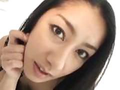 Молоденькая азиатка кончила когда ее киску наполнили спермой