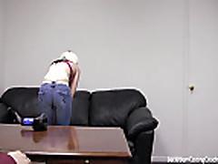 Blondinka delaet minet na pornokastinge