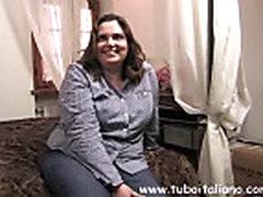 Ital'janskaja zhena vpervye pered kameroj