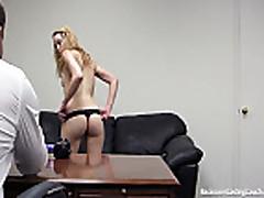 Studentka blondinka soset na sekskastinge