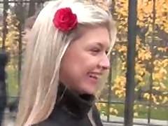 русский трах толпой, парни сняли проститутку