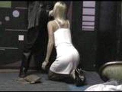 Sharon ljubit pokurit' vo vremja seksa