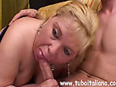 Anal'nyj seks s grudastoj mamochkoj tolstushkoj