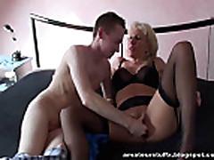 Domashnee porno v grudastoj mamochkoj blondinkoj