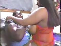 Беременная чернокожая толстушка