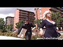 Жесткий секс с мамочкой блондинкой