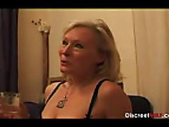 Блондинка старушка с волосатой киской оттрахана молодым парнем