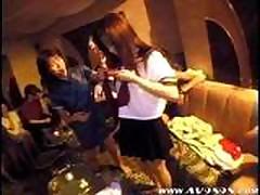 Japonskaja seks svinger vecherinka
