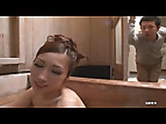 Julija v gorjachem dushe