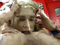 Gorjachaja blondinka i lizanie zadnicy