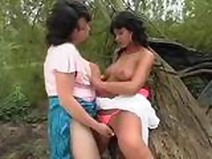Natural'nye chudesa seksa s lesbijankami