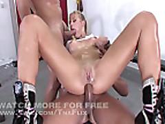 Анальные секс для шлюхи с большими сиськами