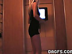 Striptiz krasotki iz Pragi