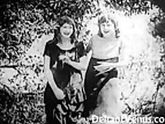 Один из первых порнофильмов, 1915 год -  Две девушки в дороге