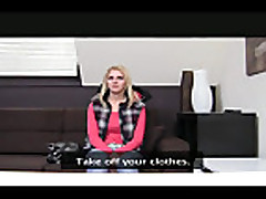 Anal'nyj seks s moloden'koj blondinkoj