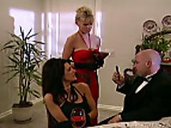 Krasotka s bol'shimi sis'kami retro porno