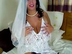 Толстушку мамочку ебут на свадьбе