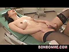 Доктор трахнул пациентку азиатку