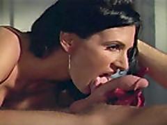 Porno iz retro fil'ma s krasotkoj mamochkoj