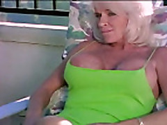 Trahnul mamochku v popku