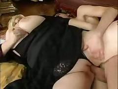 Большие сиськи сучки любят член