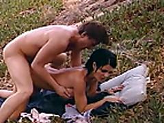 Классическое порно с грудастой мамочкой