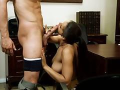 Эротический анальный секс с брюнеткой