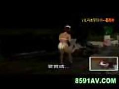 Japonochku v bikini ebut snjali i ottrahali vozle bassejna