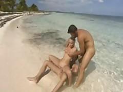 Горячий секс на пляже