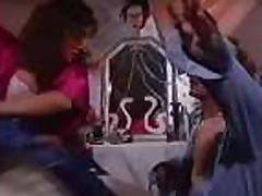 Jeshlin Gir (Ashlyn Gere), scena iz fil'ma Koldovskoj chas (Witching Hour), 1992