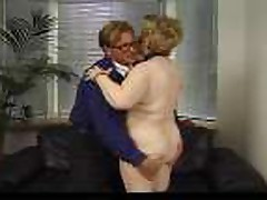 Секс с похотливой старушкой