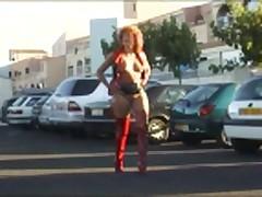 Флешинг на улице ... и сексуальные дамы в сапогах и платьях