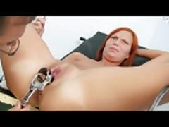 Клаудия часто ходит к гинекологу