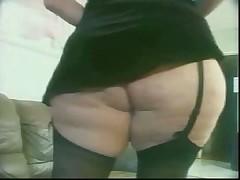 В толстую задницу Моники