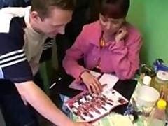 :Русская женщина и много членов