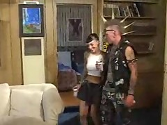 Секси девочку ебут  на диване
