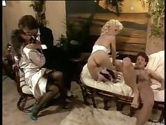 Тереза Орловски и Шарон Кэйн в супер сцене