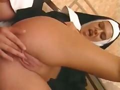 Монашки в госпитале